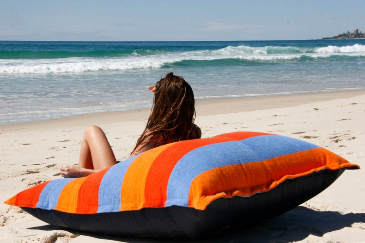 sandusa-beach-towel-bean-bag-1