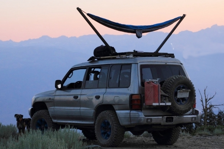 trailnest-rooftop-hammock-1