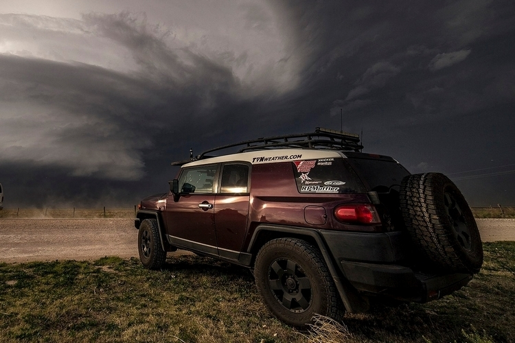 extreme-tornado-tours-4