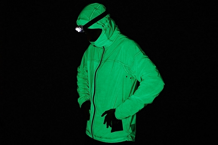 vollebak-solar-charged-jacket-3
