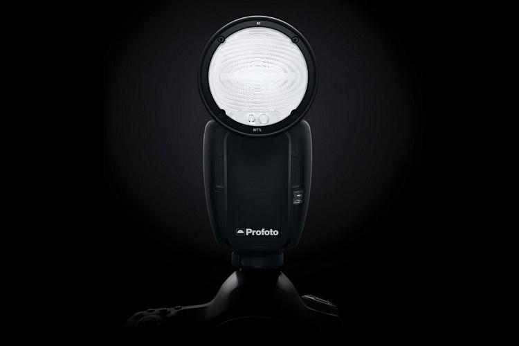 profoto-a1-on-camera-flash-1