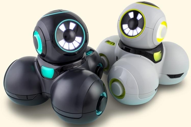 wonder-workshop-cue-programmable-robot-1