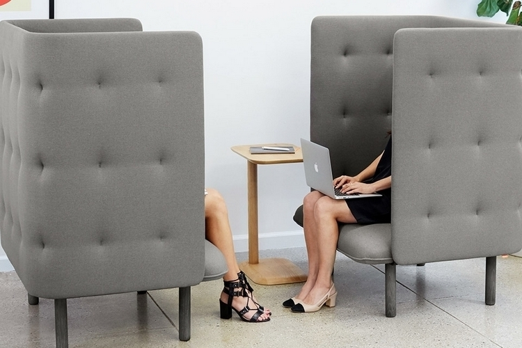 poppin-qt-privacy-lounge-chair-2