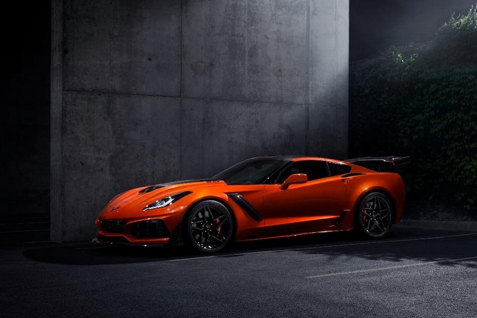 2019-corvette-zr1-3