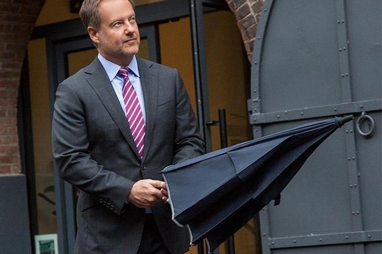 weatherman-umbrellas-3