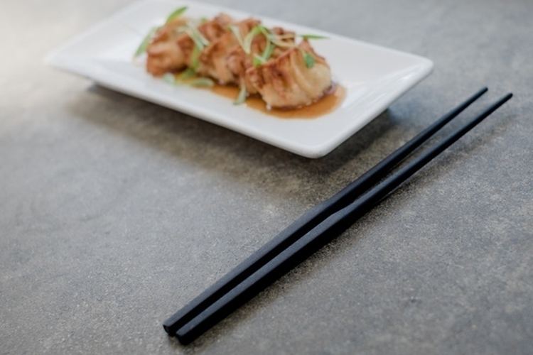 gravity-chopsticks-4
