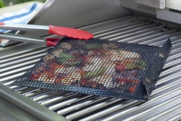charcoal-companion-nonstick-mesh-grilling-bag-1