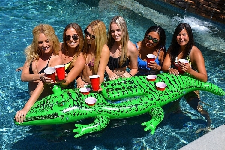 gofloats-giant-party-gator-3