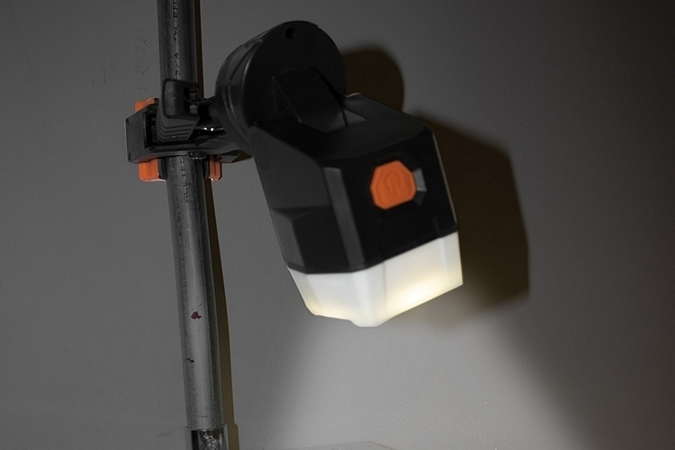 klein-tools-clamping-worklight-3