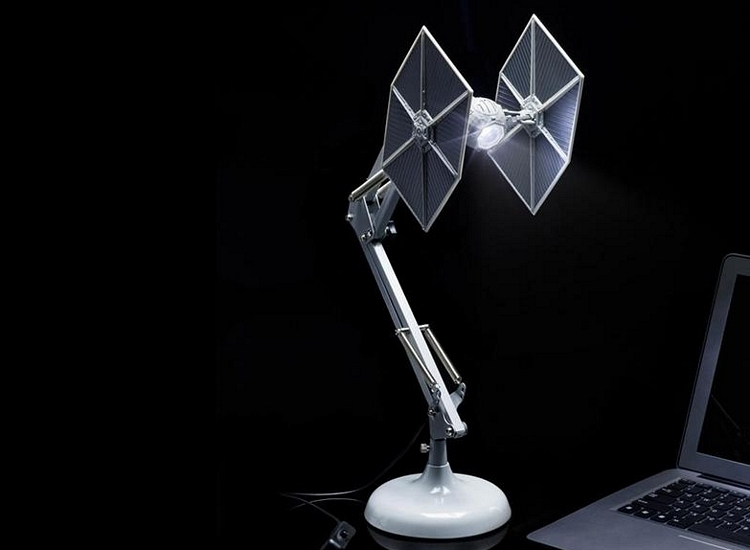 star-wars-tie-fighter-desk-lamp-1