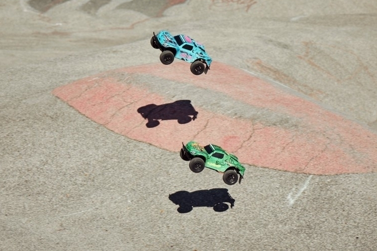 xdroid-connected-rc-cars-3