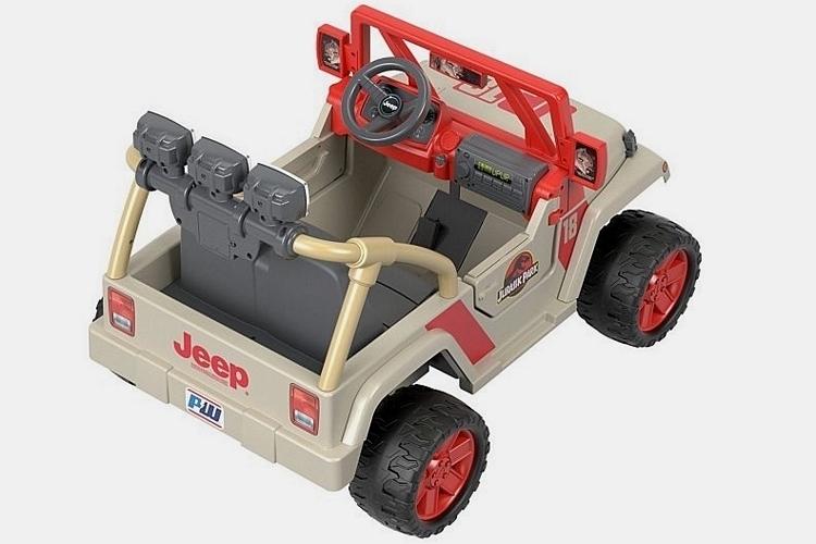 power-wheels-jurassic-park-jeep-wrangler-2