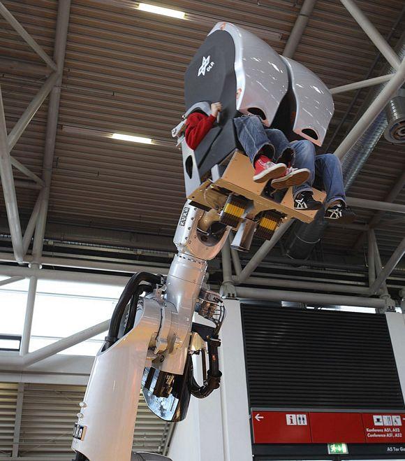 KUKA RoboSim 4D Simulator Makes A Theme Park Ride Out Of A