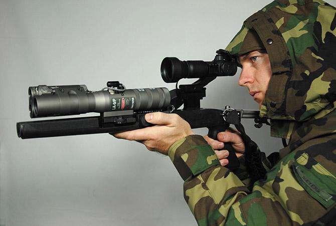 Glare La 9 P A Military Grade Laser Pointer That Blinds