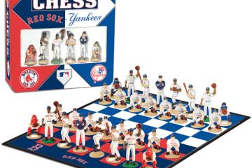 redsox-yankees-chess-set