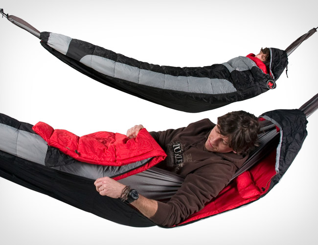 You Can Use A Regular Sleeping Bag When Spending The Night Snoozing On Hammock We Doubt It S Going To Be All That Comfortable Though Bags