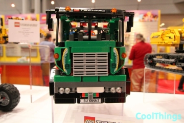 lego-technic-service-truck-set-42008-2