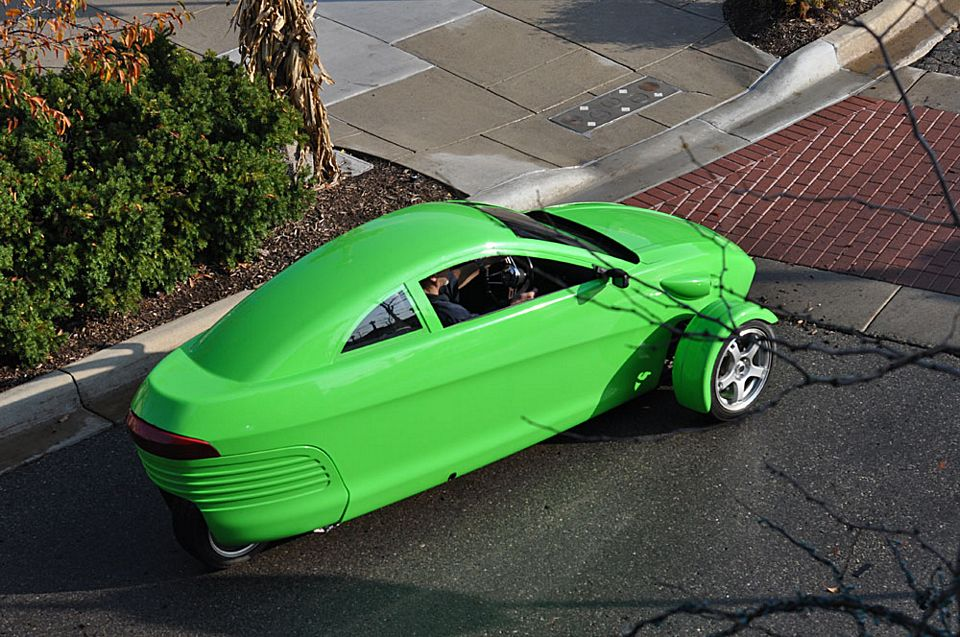 elio is a 100 mph 84 mpg three wheeled car for 6800 and we want one bad. Black Bedroom Furniture Sets. Home Design Ideas