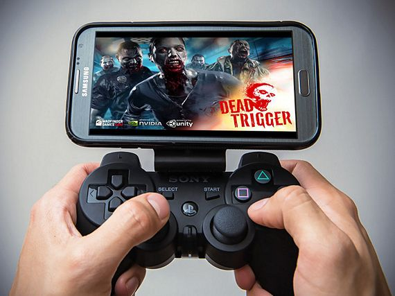 Gameklip Mounts Your Phone Onto A Ps3 Controller