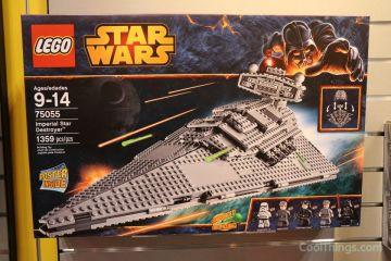 LEGO-75055-Star-Wars-Imperial-Star-Destroyer-1