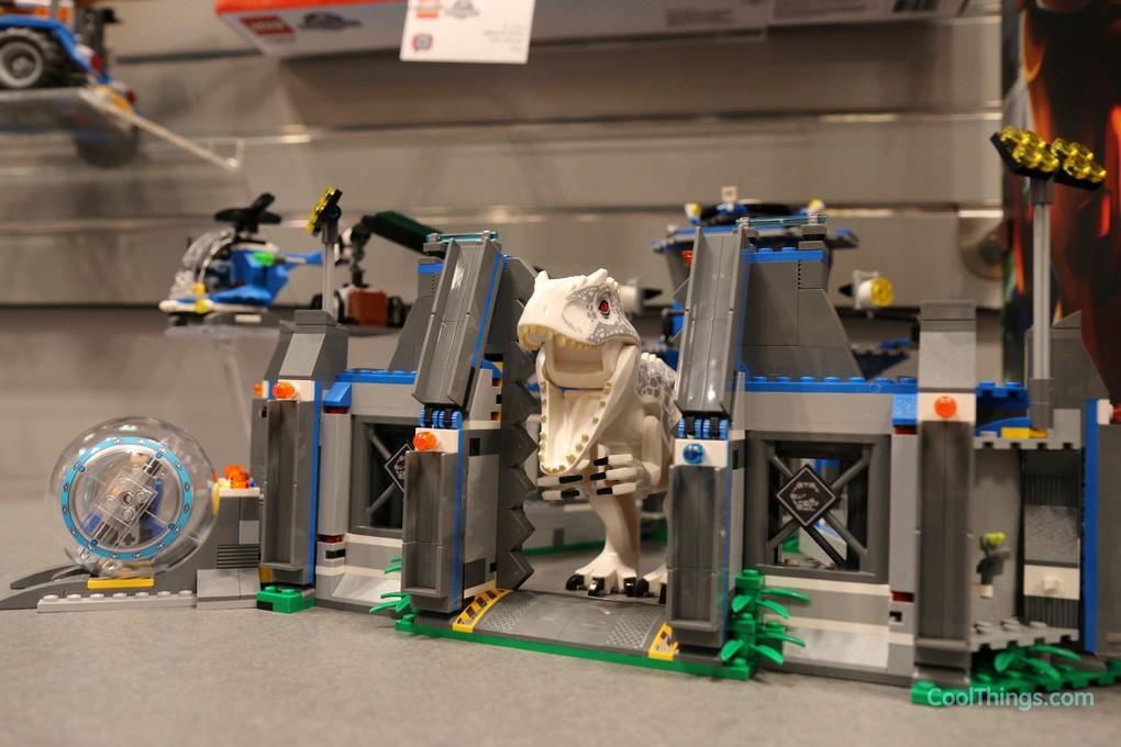 Jurassic World Indominus Rex Breakout Set