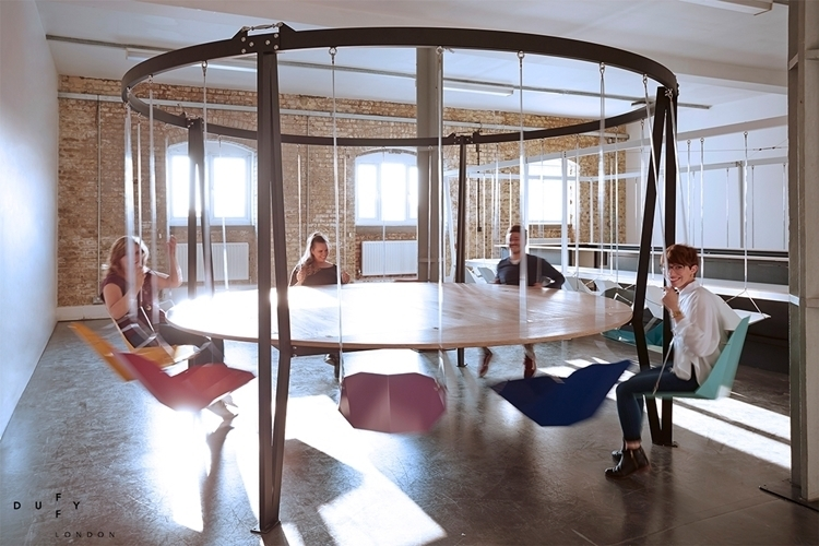 King Arthur Round Swing Table 1