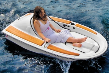 one-person-electric-watercraft-1