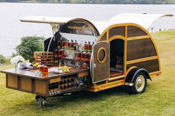 bulleit-frontier-whiskey-woody-trailer-2