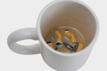 gross-smokers-prankster-mug-1