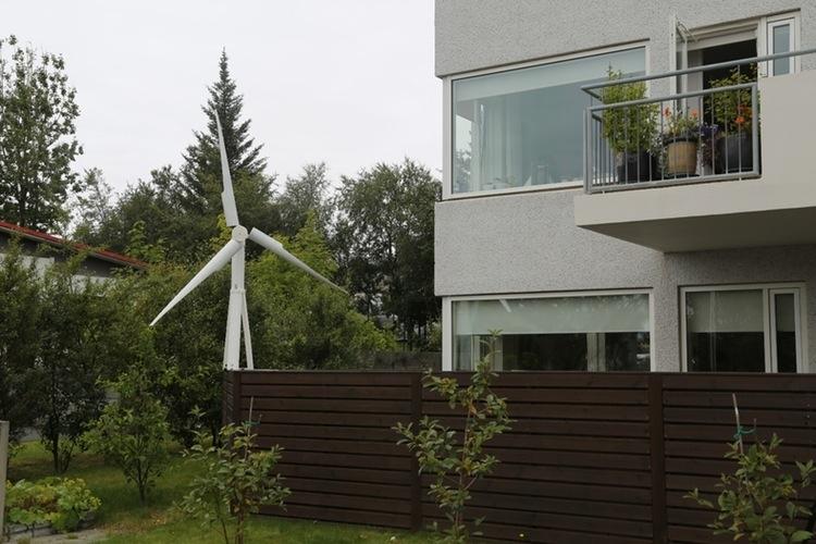 janulus-trinity-portable-wind-turbines-3