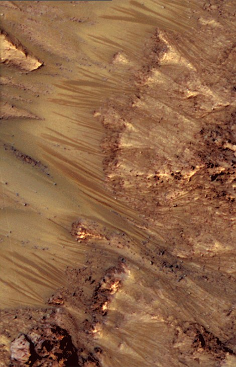 water-discovered-on-mars