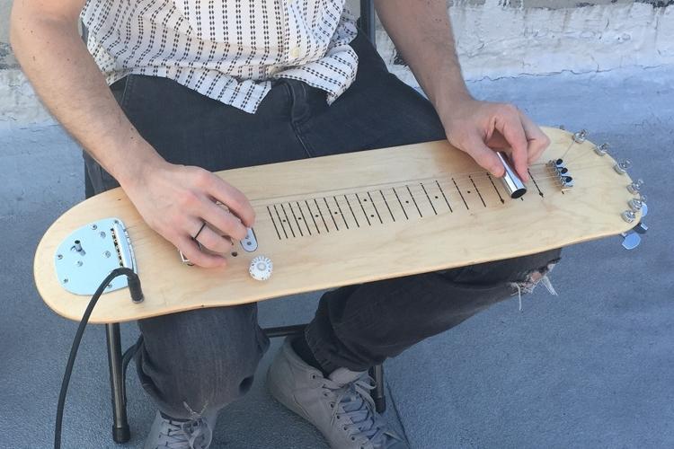 lap-skate-guitar-2