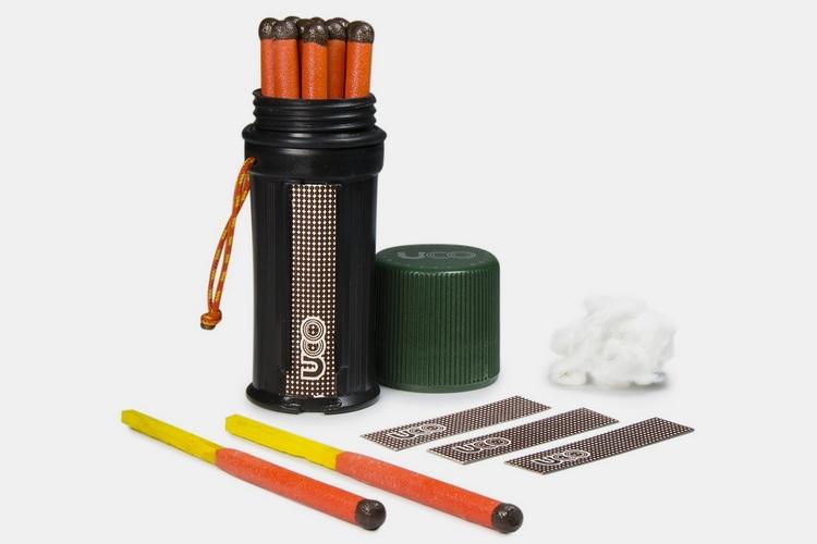 2-UCO-titan-stormproof-match-kit