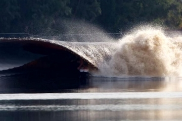 kelly-slater-man-made-wave-1