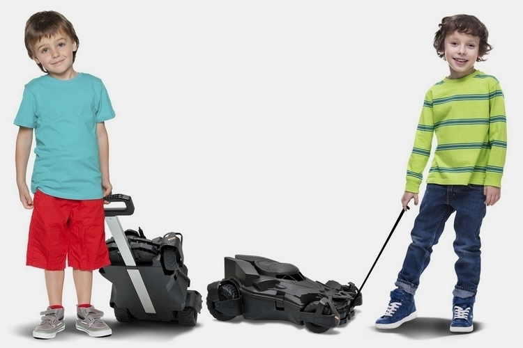 batmobile-kids-travel-case-3