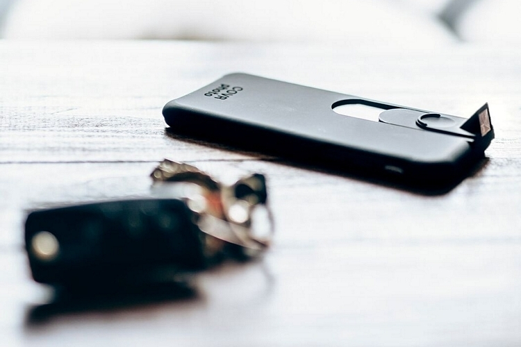 covr-photo-phone-case-2