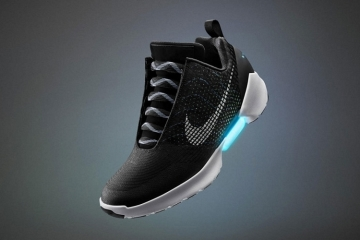 nike-hyperadapt-self-lacing-shoes-1