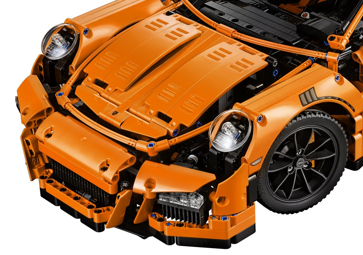LEGO Technic Set 42056 Porsche 911 GT3 RS Front Grill, Hood and Headlights
