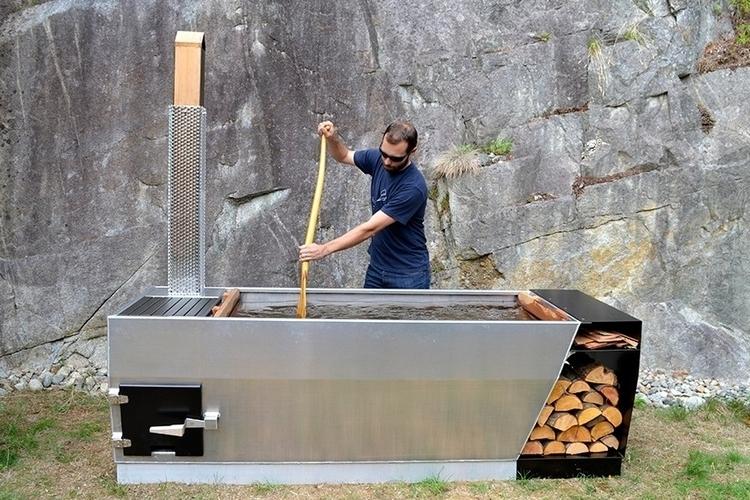 soak-outdoor-wood-fire-hot-tub-1