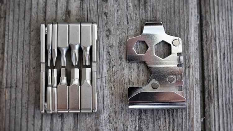 fix-manufacturing-belt-buckle-multi-tool-3