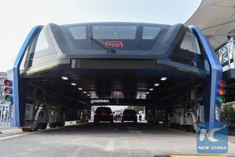 transit-elevated-bus-1