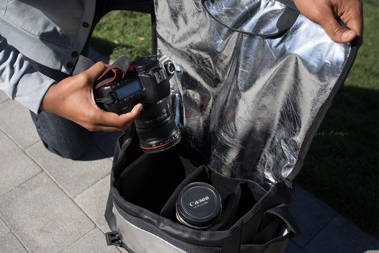 betabrand-flash-bag-2