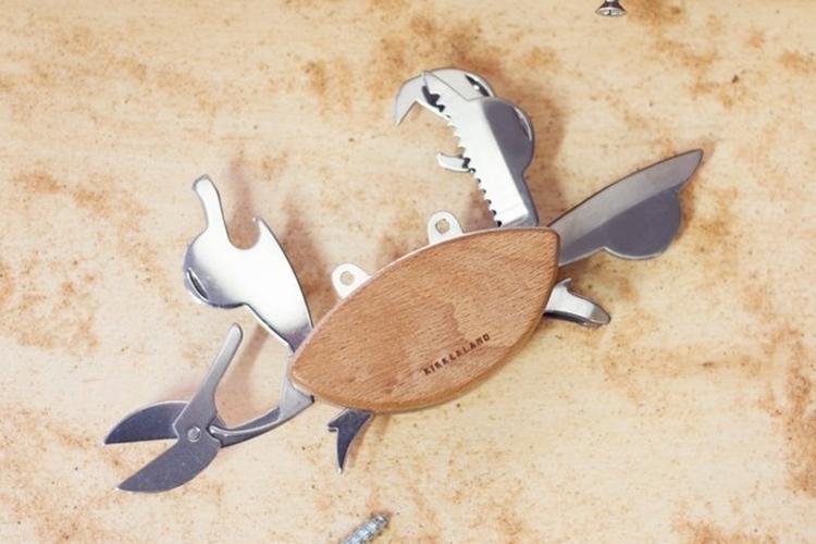 kikkerland-crab-multi-tool-3