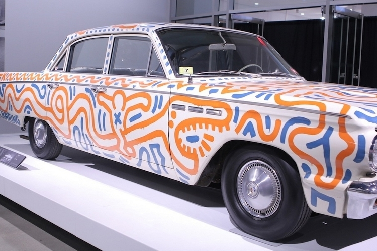 unconventional-canvases-keith-haring-4