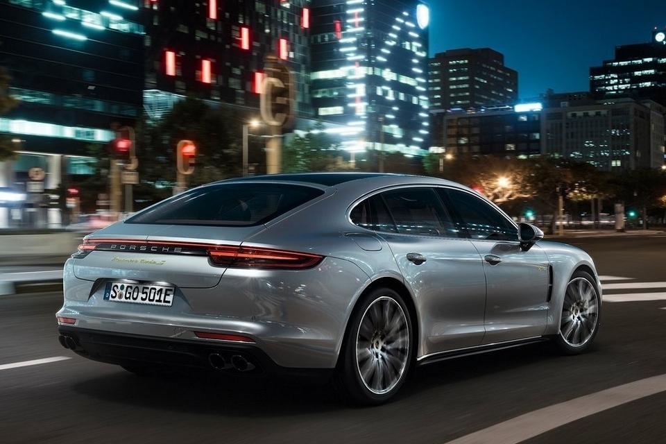 Car Battery Amp Hours >> 2018 Porsche Panamera Turbo S E-Hybrid
