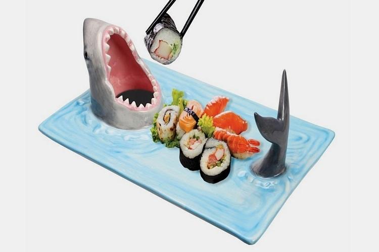 shark-attack-sushi-serving-platter-1