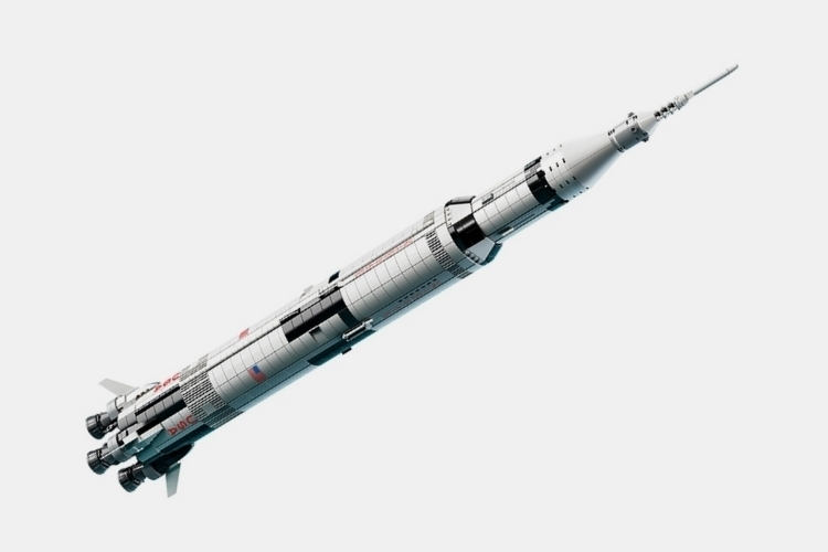 LEGO-ideas-NASA-apollo-saturn-v-2
