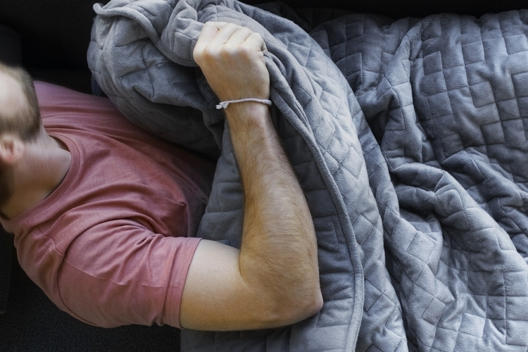 gravity-weighted-blanket-2