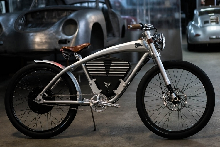vintage-electric-emory-outlaw-tracker-1