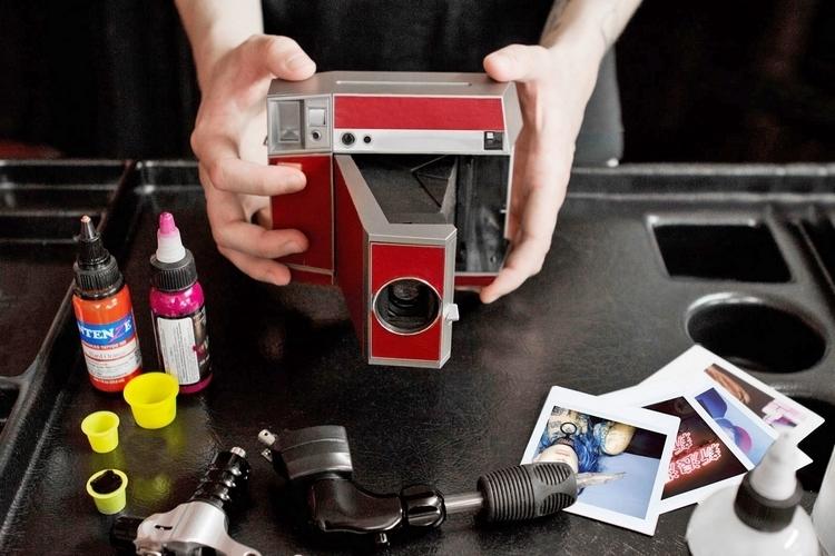 lomography-lomoinstant-square-camera-2